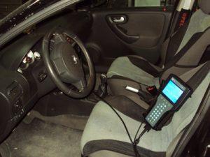 Δοκιμή διαγνωστικού Tech2 σε επιβατικό αυτοκίνητο